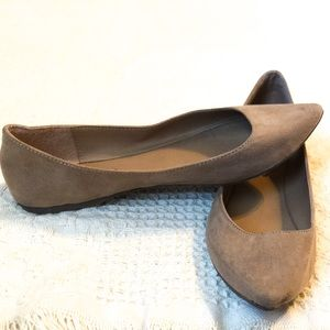 3/$15 BRECKELLE'S Pointed Toe Flats
